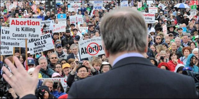 Se manifiestan contra el aborto en Ontario